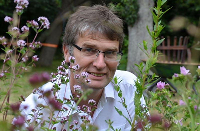 Norbert Voigt schwärmt für Wildbienen