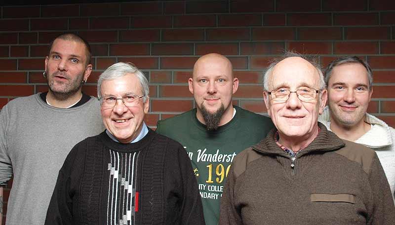 Vorstand des Imkervereins (v.l.): Sebastian Rolke, Günter Sienknecht, Oliver Gimball, Wilhelm Finck, Matthias Finck.