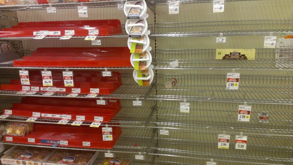 Leere Regale im Supermarkt - Lizenz des Bildes: CC0